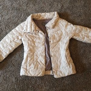 Light weight down coat